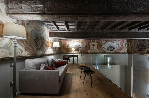 Madama-Suite---Palazzo-Del-Carretto-Art-Guesthouse-(3)