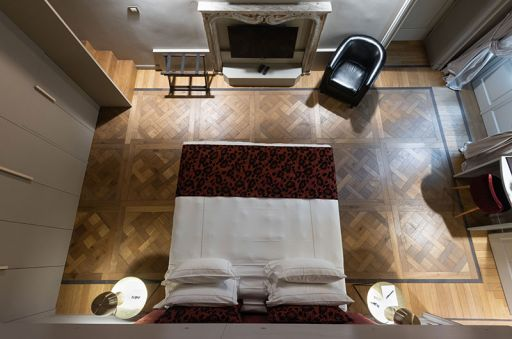 Madama-Suite---Palazzo-Del-Carretto-Art-Guesthouse-(4)