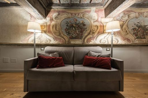 Madama-Suite---Palazzo-Del-Carretto-Art-Guesthouse-(5)